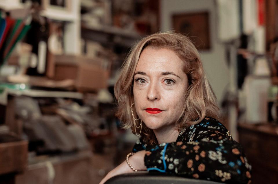 Portrait de Chloé Verlhac, la veuve de Tignous, Pour Der Spiegel.
